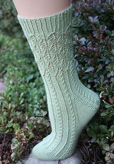 Ravelry: Banyan Tree Socks pattern by Debbie ONeill Free pattern