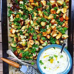 Roasted Halloumi with cauliflower, carrot & potato served with a mustard & apple creme fraiche sauce Vegetarian Recepies, Raw Food Recipes, Veggie Recipes, Cooking Recipes, Healthy Recipes, I Love Food, Good Food, Halloumi, Pasta