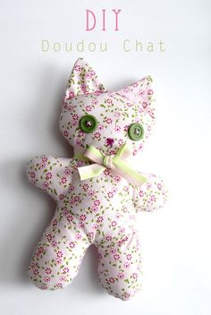 "Tuto doudou Barnabé the kitten - Féelaureve - - Tuto doudou Barnabé le chaton Barnabé the kitten is perfect to begin in sewing. So for all those who would like to launch a special tutorial ""I never sewn with my life"" To realize Barnabas the cat … Sewing Toys, Sewing Crafts, Sewing Projects, Cat Crafts, Baby Couture, Couture Sewing, Fabric Toys, Fabric Crafts, Sewing Patterns Free"