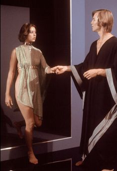 "Jenny Agutter as Jessica and Michael York as Logan in ""Logan's Run"" directed by Michael Anderson. Science Fiction, Fiction Film, Classic Actresses, Beautiful Actresses, Hollywood Actresses, Logan's Run Movie, Classic Sci Fi Movies, American Werewolf In London, Non Plus Ultra"
