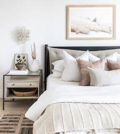 Design Scandinavian, Messy Bed, Neutral Bedrooms, Neutral Bedroom Decor, Guest Bedrooms, Master Bedrooms, Master Bath, Home Bedroom, Bedroom Inspo