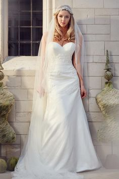 ivory strapless sweetheart a-line wedding dress