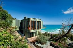 Tree house designed by Jackson Clements Burrows architects at Separation Creek on Great Ocean Road, Victoria