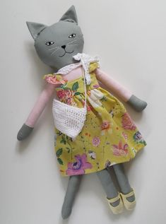 Rag Doll Cat, Kitten Play-set, 19 inches Rag Doll Cat in Dress, Cat Doll named Marylou Doll Sewing Patterns, Sewing Dolls, Fabric Toys, Fabric Crafts, Tilda Toy, Fabric Animals, Cat Doll, Grey Cats, Soft Dolls
