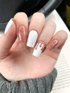 The C was sold to pay for polish 💅. Acrylic Nails Coffin Short, Simple Acrylic Nails, Summer Acrylic Nails, Best Acrylic Nails, Acrylic Nail Designs, Simple Nails, Edgy Nails, Stylish Nails, Trendy Nails