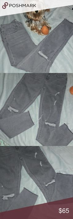 Topshop Jamie Highwaist Ripped Ankle Gorgeous and like new! Topshop Jeans Skinny