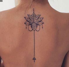 Mandala tattoo meaning and patterns that inspire you tatoo feminina - tattoo feminina delicada - tat Trendy Tattoos, Mini Tattoos, Body Art Tattoos, Small Tattoos, Tatoos, Henna Tattoos, Mandala Tattoo Meaning, Lotus Mandala Tattoo, Lotus Tattoo Back
