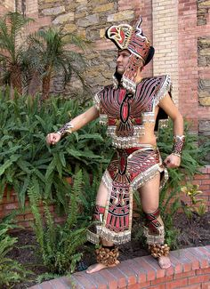 Aztec Costume, Mexican Costume, Aztec Symbols, Traditional Mexican Dress, Outfits For Mexico, Aztec Warrior, Mexico Art, Aztec Art, Mexican Dresses
