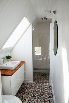 If you are looking for Small Attic Bathroom Design Ideas, You come to the right place. Below are the Small Attic Bathroom Design Ideas. Small Attic Bathroom, Beautiful Small Bathrooms, Loft Bathroom, Upstairs Bathrooms, White Bathroom, Bathroom Interior, Modern Bathroom, Bathroom Sinks, Bathroom Flooring