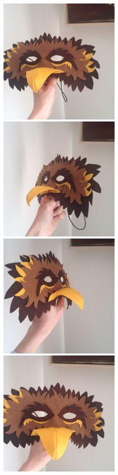 Felt bird mask Eagle Costume, Bird Costume, Projects For Kids, Crafts For Kids, Arts And Crafts, Eagle Mask, Diy Pour Enfants, Purim Costumes, Wood Badge