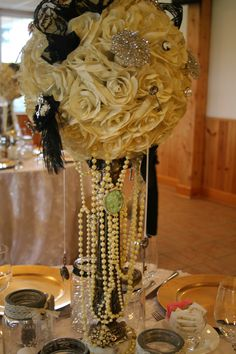 Custom Vintage Centerpieces by Lori Karpow for Hollywood Weddings Inc, Kitchener, ON Canada.