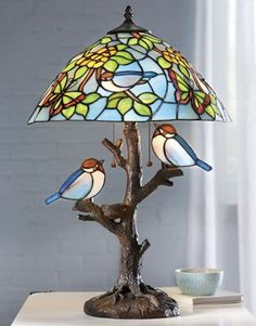 Stained Glass Lamp Shades, Stained Glass Table Lamps, Stained Glass Light, Tiffany Stained Glass, Stained Glass Birds, Stained Glass Projects, Tiffany Lamp Shade, Tiffany Chandelier, Animal Lamp