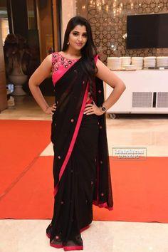 Black Blouse Designs, Saree Jacket Designs, Sari Blouse Designs, Chiffon Saree, Saree Dress, Kashta Saree, Georgette Sarees, Saree Blouse, Beautiful Saree