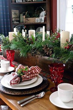 #ItsTimeForChristmas #HappyHolidays #ChristmasEveEve #Winter #YearInPhotos with awesome Xmas Table Decorations