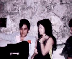 Discover & Share this #Elvis Presley GIF with everyone you know. GIPHY is how you search, share, discover, and create GIFs. Priscilla Presley Wedding, Elvis Presley Priscilla, Elvis Presley Family, Elvis Presley Photos, Lisa Marie Presley, Charles Bukowski, Great Love Stories, Tumblr, Graceland