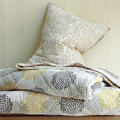 Hand-blocked Treetop Quilt- Jonquil {via west elm} Cute Bedding, Red Bedding, Quilt Bedding, Bedding Sets, Bed Quilts, Twin Quilt, Bedspread, Luxury Bedding, Comforter
