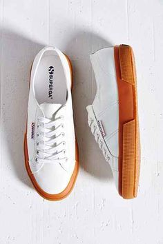 Superga 2750 Leather Gum-Sole Low-Top Sneaker the best & most chic Italian sneaker to wear in Europe Moda Sneakers, Superga Sneakers, Sneakers Mode, Sneakers Fashion, Fashion Shoes, Shoes Sneakers, White Platform Sneakers, White Shoes, White Sneakers