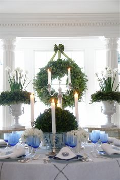 Chinoiserie Chic: A Blue and White Chinoiserie Christmas!A Blue And White Chinoiserie Christmas! Blue Christmas, Christmas Wreaths, Christmas Decorations, Christmas Centerpieces, Christmas Greenery, Christmas Mantles, Christmas Kitchen, Christmas Villages, Victorian Christmas