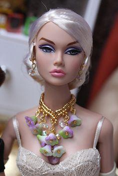 Dark Moon Poppy Parker Bad Barbie, Barbie Hair, Barbie Dress, Barbie Clothes, Fashion Royalty Dolls, Fashion Dolls, Grace Kelly Dresses, Poppy Doll, Beautiful Barbie Dolls