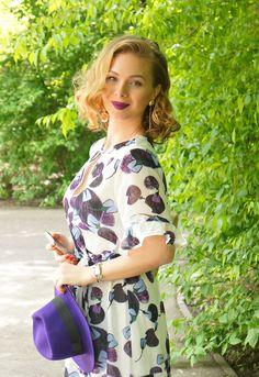 #vintagelook #purple Vintage Looks, Floral Tops, Cold Shoulder Dress, Purple, My Style, Lady, Heels, Dresses, Women