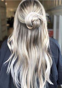 38 Stunning Blonde Hair Colors with Updos for Long Hair 2018. Here you can see the combinations of blonde hair colors with long and updos hair. Do you know this is one of the most famous ideas among ladies in these days to wear various hair colors with long and medium haircuts. Here we are going to show you the best styles of blonde hair colors for impressive hair looks in 2018.