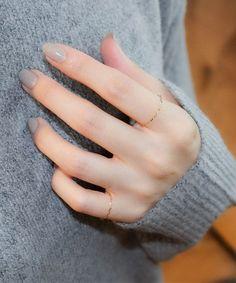 指先に上品さをプラス♡オフィスウケ抜群なネイルデザイン in 2020 Simple Gel Nails, Korean Nails, Nails Short, Kawaii Nails, Applis Photo, Nail Jewelry, Nail Polish Art, Manicure Y Pedicure, Minimalist Nails