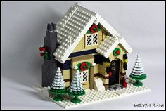 Winter Coffee Shop | Flickr - Photo Sharing! Lego Christmas Sets, Lego Christmas Village, Lego Winter Village, Lego Gingerbread House, Gingerbread Christmas Decor, Christmas Decorations, Awesome Lego, Cool Lego, Lego Candy