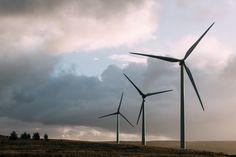 Primeiros geradores de energia eólica do estado de São Paulo começam a funcionar! Os equipamentos devem produzir cerca de 620 megawatts-hora (MWh) por ano. Conheça mais detalhes no  http://ift.tt/1IJoGoo