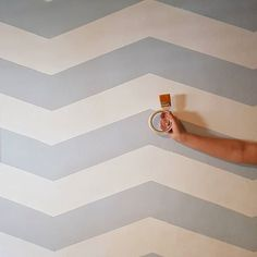 Finally New blog post! Check my bio for link. DIY Chevron wall. I already shared some pictures from this project and finally there's a tutorial. #todayii_230318 #accentwall #chevronwall #wallpainting #diyhomedecor #diywallart #chevronwall #zigzag #homestyling #homeonabudget #decoronabudget #nordicstyle #diy #homedecor #homeimprovement #homedesign #painterstape #lifestyle #style #decorating #interiordesign #interiordecor #modernismweek #middleweekinspiration #pyttliving #dream_interior