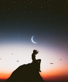Find images and videos about girl, sky and night on We Heart It - the app to get lost in what you love. Beautiful Moon, Beautiful Images, Galaxy Wallpaper, Wallpaper Backgrounds, Moon Art, Belle Photo, Night Skies, Cute Wallpapers, Aesthetic Wallpapers