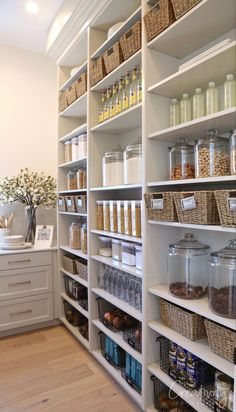 Cool Kitchens, Diy Kitchen Storage, Large Pantry, Diy Pantry, Pantry Design, Diy Kitchen, Kitchen Design, Pantry Room, Kitchen Organization Pantry