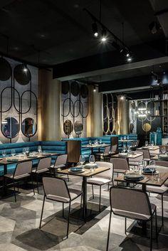 restaurant interior Stunning luxury interior design ideas for modern boutique hotels. Deco Restaurant, Restaurant Seating, Luxury Restaurant, Restaurant Furniture, Classic Restaurant, Vintage Restaurant, Restaurant Interior Design, Bar Interior, Luxury Interior Design