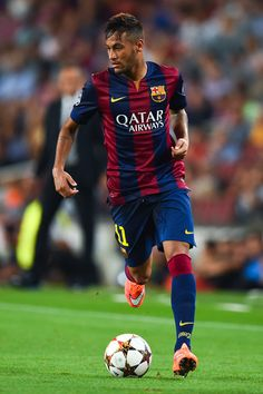 Neymar Photos - Neymar of FC Barcelona runs with the ball during the UEFA Champions League Group F match between FC Barcelona and APOEL FC at the Camp Nou Stadium on September 2014 in Barcelona, Spain. - FC Barcelona v APOEL FC Neymar Barcelona, Barcelona Team, Barcelona Catalonia, Neymar Jr, Good Soccer Players, Football Players, Lionel Messi, Apoel Fc, Uefa Champions League