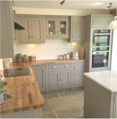 Grey, country cottage kitchen with island and wooden worktops - Decor - Best Garden deas Country Kitchen Designs, Kitchen Room Design, Home Decor Kitchen, Kitchen Interior, Home Kitchens, Open Plan Kitchen Dining Living, Living Room Kitchen, Cottage Kitchens With Islands, Cuisines Design