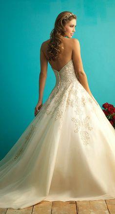 Maravillosos vestidos de novias | Colección Allure Bridals
