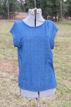 Cloth & Stone Denim Blue Short Sleeved Top Small NEW Slit Back #ClothStone #KnitTop