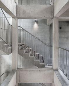 """6a architects, Johan Dehlin, David Grandorge · Cowan Court / All Concrete Stair / Building stair / """"U"""" Shape /"""