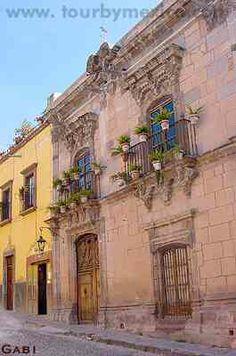 Casa del Inquisidor, San Miguel de Allende.  http://www.tourbymexico.com/guana/allende/allende.htm