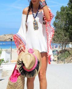 Moda hippie ibiza vestidos for 2019 Summer Fashion For Teens, Summer Fashion Outfits, Summer Outfits Women, Hippie Style, Boho Bags, Moda Fashion, Women's Fashion, Fashion Trends, Beachwear For Women