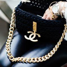 Chanel @}-,-;—