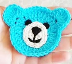 Making Bear Figures for Baby Vests Crochet Baby Bibs, Free Crochet Bag, Crochet Teddy, Crochet Bear, Diy Crafts Crochet, Crochet Projects, Knitting Patterns Boys, Crochet Patterns, Beanie Pattern Free
