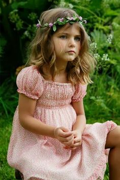 This little girl though....cute beautiful and earthy..