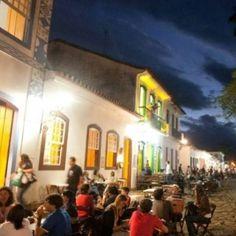 Flip terá evento especial com chefs e autores de livros de gastronomia  Duas grandes paixões - literatura e gastronomia - se unem durante a 12a Flip (Festa Literária Internacional de Paraty - RJ), que acontece de 30 de julho a 3 de agosto. #Flip #FlipSe #Flip2014 #FlipZona #Flipinha #literatura #MillôrFernandes #Millôr #cultura #turismo #Paraty #PousadaDoCareca