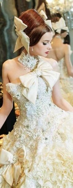 Worst Wedding Dress, Luxury Wedding Dress, One Shoulder Wedding Dress, Wedding Gowns, Floral Fashion, Trendy Fashion, Fashion Dresses, Vintage Fashion, Architecture Design