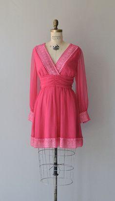 www.trendlistr.com - vintage clothes for modern closets!