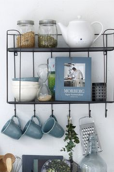 Ellos Home Henrietta-mukit, Kitchen Interior, Kitchen Decor, Küchen Design, House Design, Moraira, Tiny House Cabin, Home Organisation, Interior Decorating, Interior Design