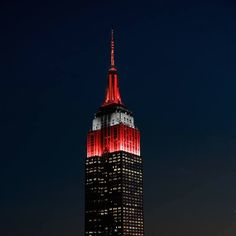 New York's Empire State Building has never looked better than it does tonight, lit up in scarlet and gray to honor Ohio State's national championship. Ohio State Football, Ohio State University, The Buckeye State, Buckeyes Football, Ohio State Buckeyes, College Football, Oklahoma Sooners, American Football, Buckeye Nut