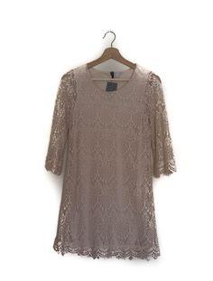 Short lace dress, white, H&M, summer  Vestido corto de encaje, blanco, verano