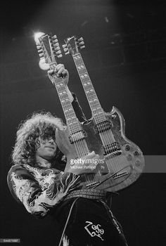 media.gettyimages.com photos jimmy-page-playing-a-gibson-double-neck-guitar-on-stage-with-british-picture-id544875897