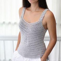 Crochet Summer Tops, Crochet Halter Tops, Crochet Crop Top, Débardeurs Au Crochet, Crochet Woman, Free Crochet, Crop Top Pattern, Festival Tops, Crochet Patterns For Beginners